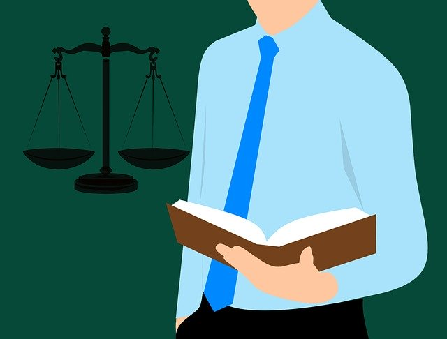 עורך דין פלילי מפורסם – האם זה באמת משתלם לנו?